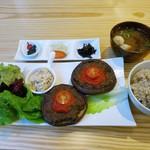 たまな食堂 ナチュラル シフト ガーデン キッチン - ジャンボしいたけステーキ定食