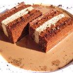 サロン・ド・テ・ロンド - コーヒー風味のチュコレート ほろ苦いコーヒーソースと共に 810円