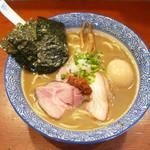 麺処ほん田 - 特製 濃厚豚骨魚介ラーメン ¥980
