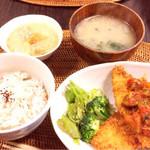 カフェ シオン - カレイのフライ〜ラタトゥイユソース