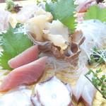 日本料理 魚夢 - 料理写真:特選お刺身盛り合わせ2500円