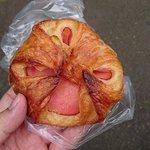 クイーンズベーカリー - 料理写真:ハムチーズ¥160