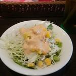 オリーブモンド - ランチのサラダです