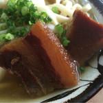 きしもと食堂 - 豚角煮のアップ