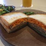 ザコーヒーハウス - フレッシュ野菜の棒々鶏サンドウィッチ(サラダ、ドリンク付)@928