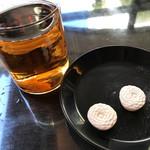 72504344 - お茶と干菓子