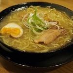 高知ジェントル麺喰楽部 - こってりラーメン(塩)