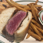 Wolfgang's Steakhouse by Wolfgang Zwiener - 料理写真:「STEAK SLIDERS」$7.00