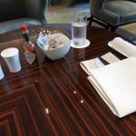 ザ パレス ラウンジ - テーブルセッティング