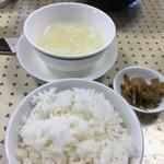 四川家常菜 ひろ - 御飯とスープ