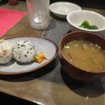 MARU - おむすび・漬物・味噌汁450円