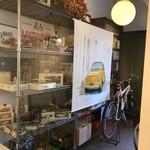 ウーノ ボーノ - 店内ガレージ