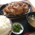 かなや食堂 - 料理写真:豚焼き肉定食大盛1040円 2017.9