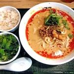 175°DENO〜担担麺〜 - 担担麺(汁あり・白ごま・シビれる)& パクチートッピング & 小ごはん
