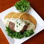 バオバブ - ハンバーグとチーズとパンケーキが驚くほど絶妙のハーモニーです