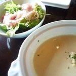 ヴェリータ - パスタランチ1500円 サラダとスープ