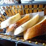 ヴェリータ - お替わりOKの自家製パン