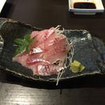 エビス - 料理写真:コムギの刺身 750円。希少な魚なのかこれは高いと思いました。