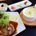 ユタアケサ - 料理写真:手ごねハンバーグ