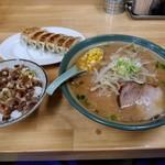 ラーメン ふじ屋 - 【2017.9.3(日)】ラーメンCセット(味噌ラーメン+餃子+ねぎ豚丼)900円