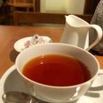 お茶とお菓子まやんち - アッサム・ミルクティー用に濃く淹れてくれます♪