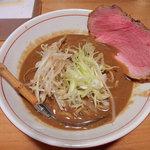 麺と人 - 味噌麺(730円)