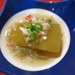 カド - 冬瓜の含め煮芋茎と蟹の生姜あんかけ