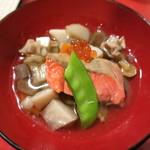 カド - 鮭とイクラの冷やしのっぺい汁