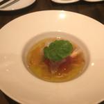 リープ - トマトのコンフィ。海老とオマールコンソメジュレ