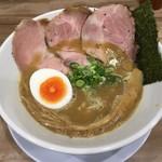 ラー麺 陽はまた昇る - 魚とりとんこつラーメン(750円)