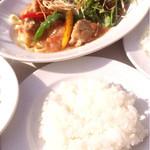 テンラン カフェ - 淡路鶏のビール煮〜季節の野菜を添え セット