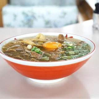 いのたに - 料理写真:中華そば 肉入 中盛 生玉子 700円