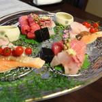 日本料理 きた川 - 造り 五島中トロ ノドグロ炙り ビワ鱒 鯵