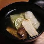 日本料理 きた川 - 椀 松茸 鱧葛打ち 冬瓜