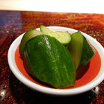 菊鮨 - ◆箸休めの胡瓜。