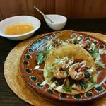 アミーゴタコス - 料理写真:「ハーフセット(ハーフタコライス+お好きなタコス(エビ)+スープ)」