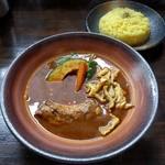 カレーのふらのや - 料理写真:やわらか骨付きチキンのスープカレー(980円)
