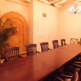 人気の個室は8~16名様。。ご予約はお早めに!!