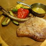 東京オーブン - 宮崎まるみ豚のポークチョップ