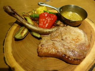 東京オーブン 赤坂 - 宮崎まるみ豚のポークチョップ
