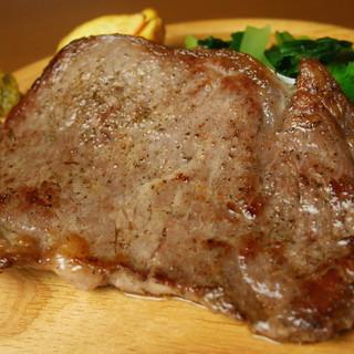 ◇柚子胡椒・わざび◇肉の旨味を楽しむ牛ロース肉のステーキ