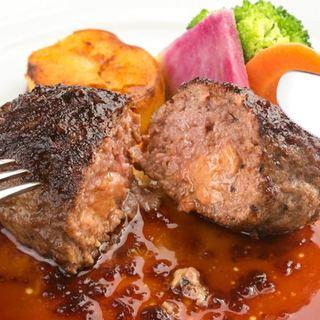 滋味豊かな旬の野菜と新鮮魚介、安全でおいしい黒毛和牛を厳選