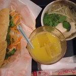 Pacific Sandwich Place - バインミーとは、ベトナムのフランスパンサンドウィッチのこと