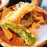 嵐山よしむら - 海老天×2、舞茸天、ピーマン、レモン、抹茶塩付き