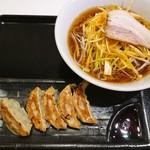 王記厨房 - ネギラーメンと焼き餃子