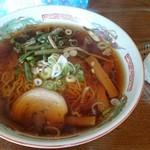 田沢旅館 - 料理写真:山菜ラーメンとおにぎり