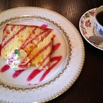 喫茶れとろ - 料理写真:珈琲・れとろブレンド(430円)、モーニングB・sweetなモーニング