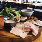 NAAK CAFE  - 農民の昼食 ボリュームのサラダです!
