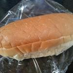 わたなべパン - コッペパン(160円) ピーナツクリーム入り