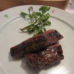 山里料理 葡萄屋 - 此処で豊後牛のステーキが焼きあがって来ました。